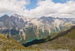11 Gipfel Tour 2013 - Blick vom Hellenstein ins Antholzertal