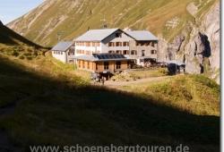 Die Kemptner Hütte (1844m Hoehe)