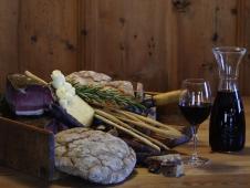 Almhof Hotel Call - Speck und Wein