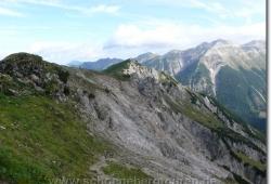 Blick zu Steinkarlkopf und Soierngruppe