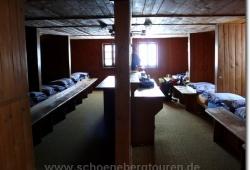 Die Matrazenlager im obersten Stock der Falkenhuette