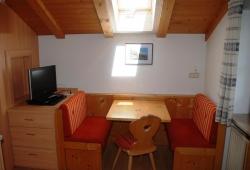 Appartements Metzmuehle - Sitzgelegeneheit in der Wohnung 2