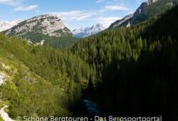 Cortina d Ampezzo - Ausblick ueber das Fanestal