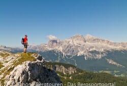 Cortina d Ampezzo - Im Hintergrund ist die Tofana zusehen