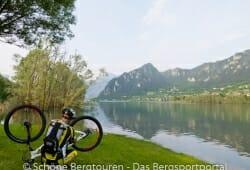 Fahrradreparatur am Idrosee