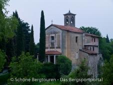 Kirche am Agriturismo Al Lambic