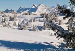 Haute-Savoie - Aussicht zum Pointe Blanche und dem Pic de Jallouvre