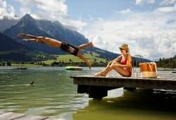 Gaestehaus Rottenspacher - Schwimmen im Walchsee