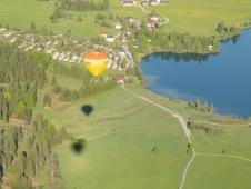 Ballon ueber dem Walchsee