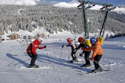 Hotel Kreuzbergpass - Kinder beim Skiunterricht