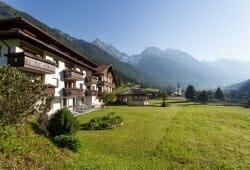 Hotel Vierbrunnenhof - Im Sommer