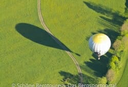 Heissluftballon beim Landen