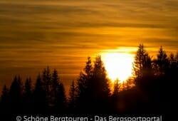 Die Sonne versinkt gleich