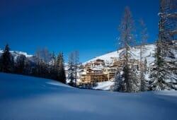 Lagacio Hotel Mountain Residence - Aussenansicht im Winter