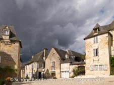 Limousin - Dunkle Wolken ueber Turenne