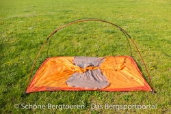 Marmot Astral FC 2P Zelt - Zeltgestaenge steht