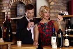 Schlosshotel Fiss - Paar im Weinkeller