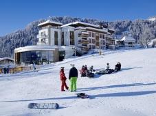 Schlosshotel Fiss - Aussenansicht Winter