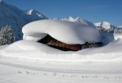 Bach - Joechelspitze - Tief verschneit