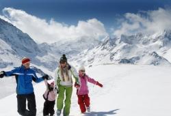Kuehtai - Familie im Schnee