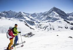 Kuehtai - Skifahrer oberhalb von Kuehta