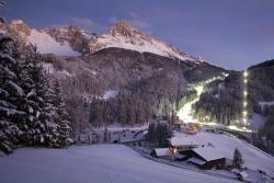 Obereggen - Skipiste bei Nacht