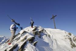 Oesterreich Vorarlberg Montafon Schruns Skigebiet Hochjoch HochjochTotale laengste Talabfahrt in Vorardelberg 12000 Meter Piste Hochjoch Kreuzjochspitze