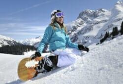 Warth - Schroecken - Snowboarderin