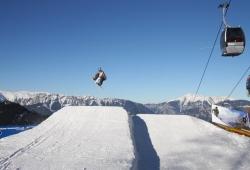 Zauberberg - Semmering - Skifahrer im Sprung