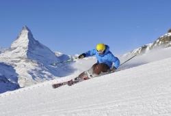 Zermatt - Cervinia - Skifahrer