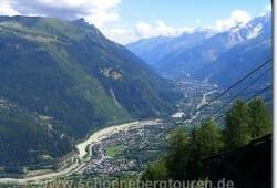 Blick von der Bergstation Bellevue ueber Les Houches und Chamonix