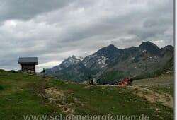 Am Col du Bonhomme (auf 2329m Hoehe)