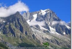 Blick aufs Mont Blanc Massiv oberhalb von Courmayeur