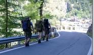 Im Laufschritt oberhalb des Mont Blanc Tunnels