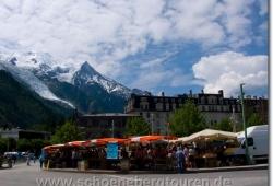 Samstagsmarkt am Place du Mont Blanc in Chamonix