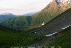 Zeltstelle unterhalb des Col de Tricot