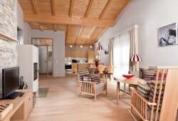 Travel Charme Bergresort Werfenweng - Wohnbereich mit Kueche