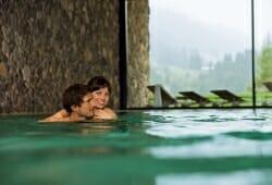 Travel Charme Ifen Hotel - Pool im Sommer