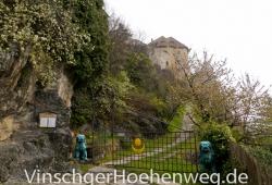 Eingang zum Schloss Jubal