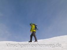 Wanderer im Altschneefeld