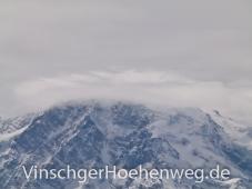 Der Ortler in Wolken