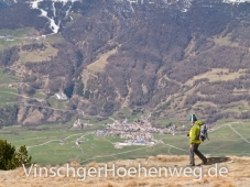 Wanderer oberhalb von Burgeis