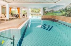 Vitalpina Hotel Magdalenahof - Schwimmbad