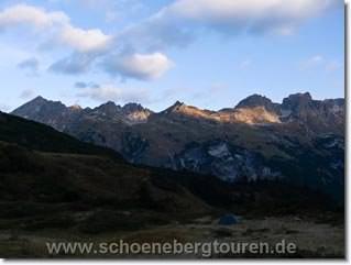 Blick in Richtung Schafalpenkoepfe und Mindelheimer Huette