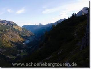 Blick vom Schrofenpass übers Rappenalpental