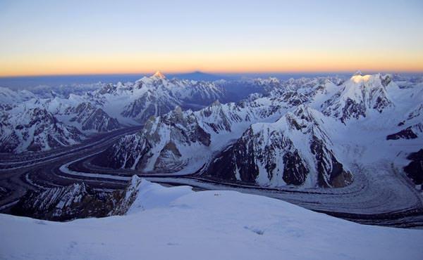 Erstes Licht ueber dem Karakorum