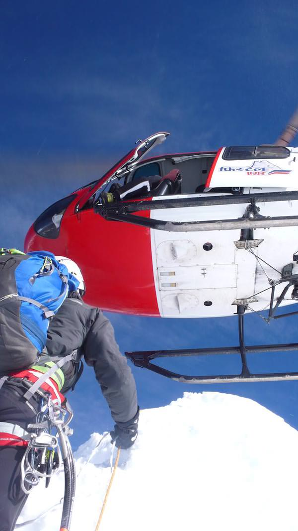 Ama Dablam Expedition 2010 - Helikopterrettung von David