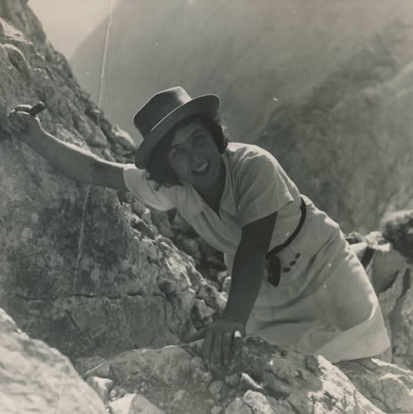 Beim Klettern, um 1938
