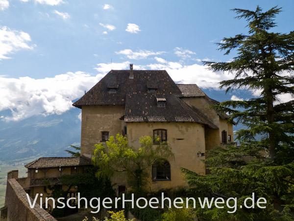 Vinschger Hoehenweg - Schloss Juval