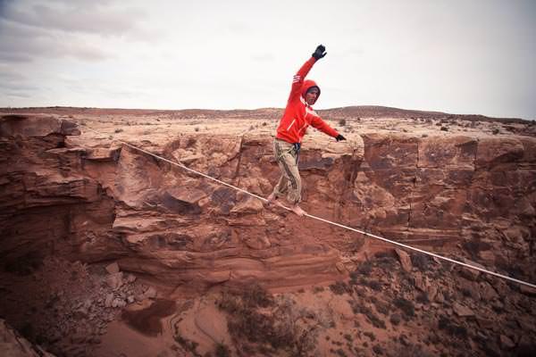 Lukas Irmler - 80m Highline Erstbegehung in Moab